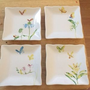 Set of 4 serving dishes